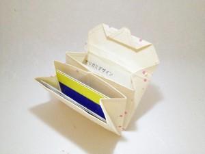 和紙のカードケース:カード類が入っている様子